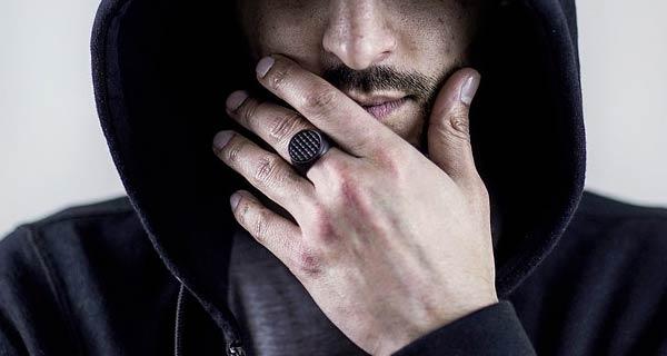 Regali per lui come scegliere gli anelli uomo