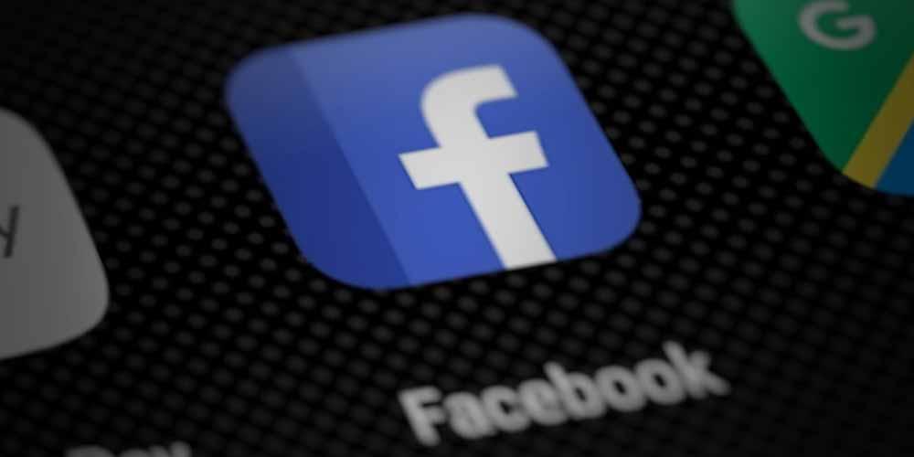 Facebook contro Apple Scoraggia installazione app di terze parti